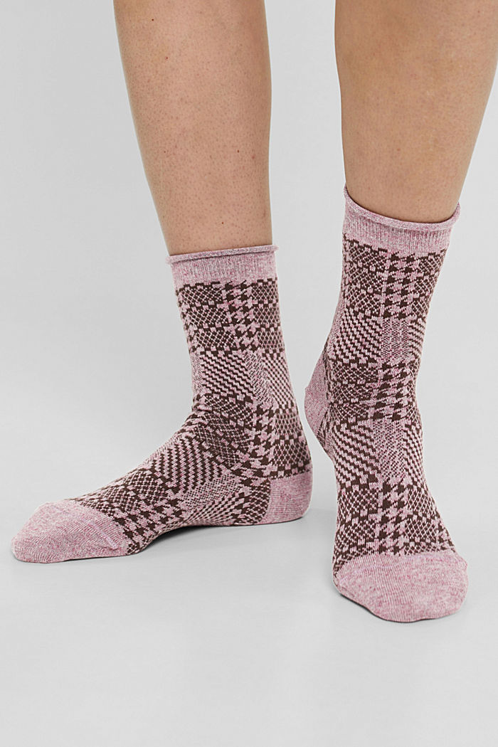 Patterned socks made of a cotton blend containing wool