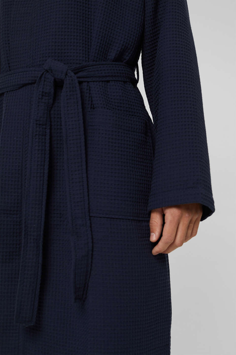 Waffle piqué bathrobe in 100% cotton, NAVY BLUE, detail image number 2