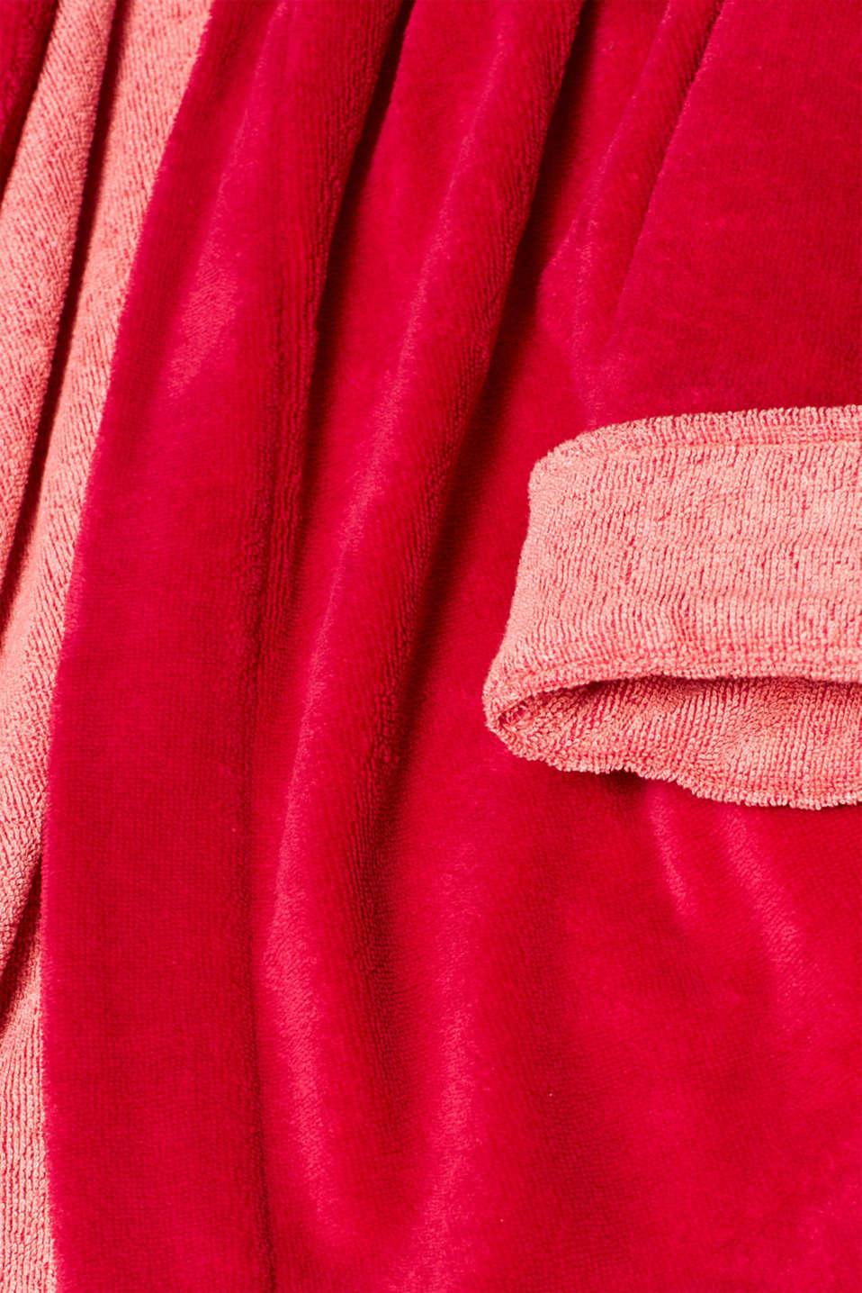 Velours bathrobe, RASPBERRY, detail image number 3