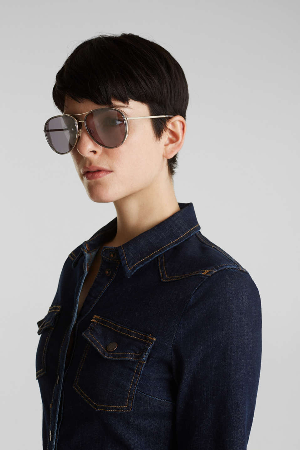 Unisex sunglasses with widened metal frames, LCGRAY, detail image number 3
