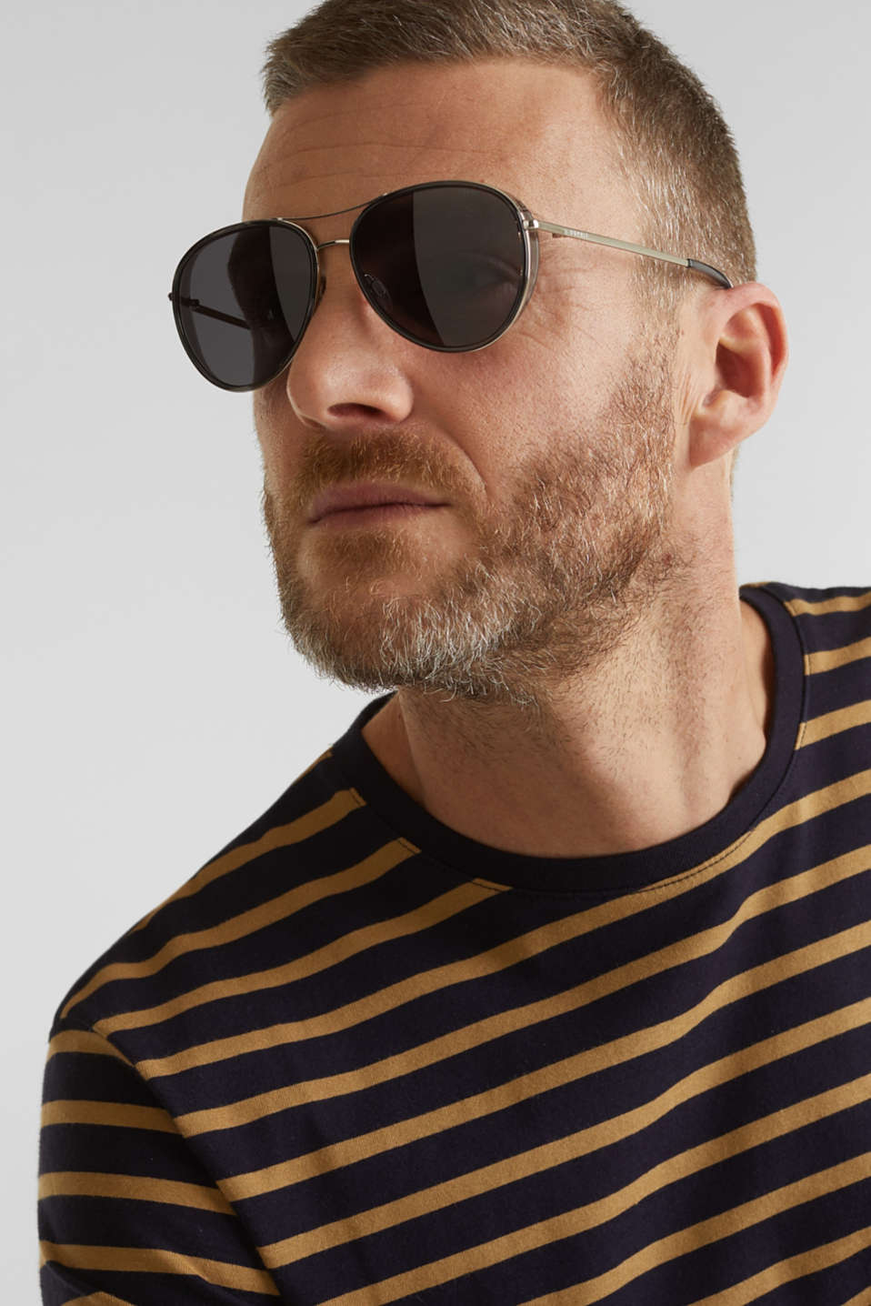 Unisex sunglasses with widened metal frames, LCGRAY, detail image number 2