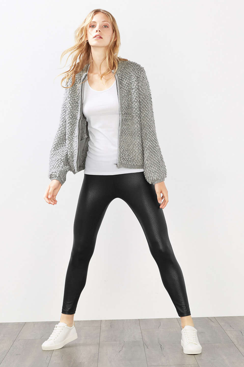 Esprit - Leggings with a shimmering sequin print
