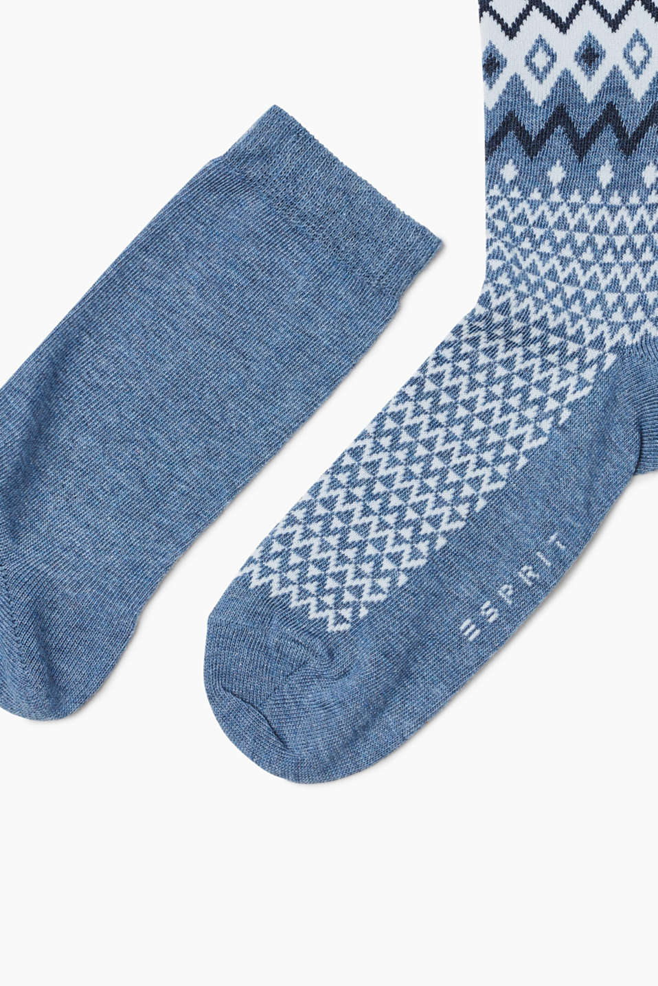 2 pairs of socks with an interwoven pattern
