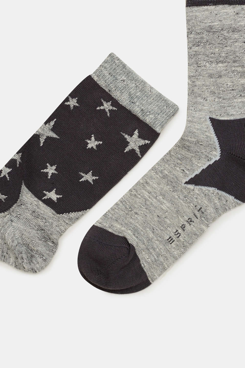 In a pack of two: melange socks with a star intarsia pattern