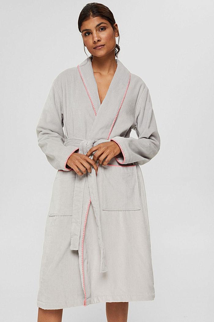 Velours badjas met geborduurde randen