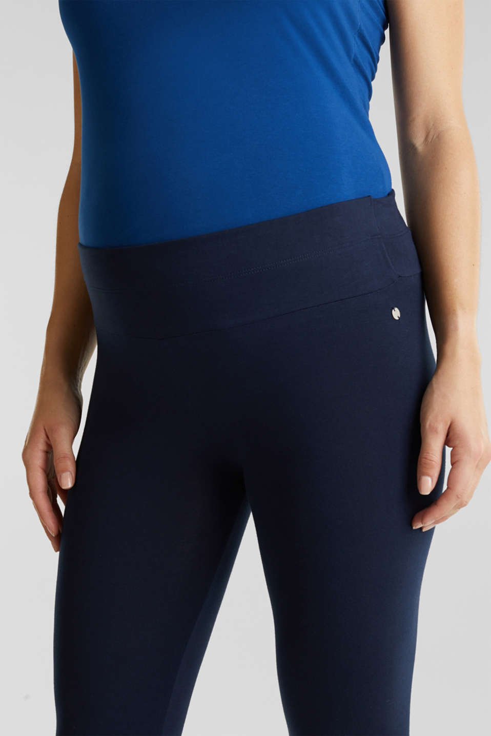 Capri leggings + under-bump waistband, LCNIGHT BLUE, detail image number 1