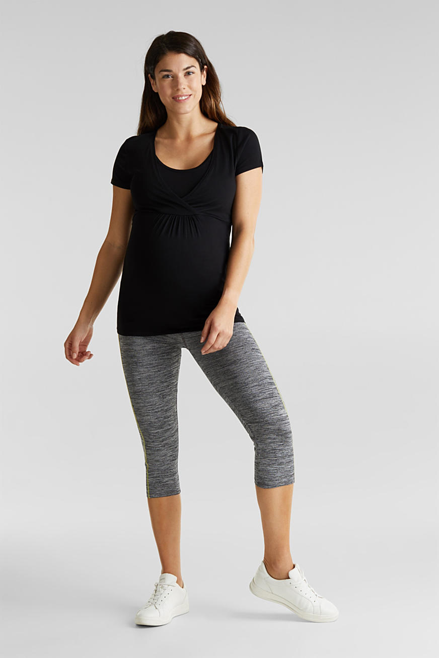Capri leggings with an over-bump waistband