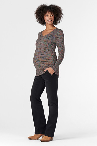 Nursing long sleeve top with a printed pattern