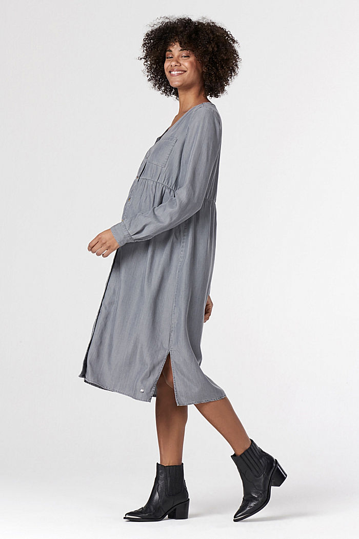 Stylish shirt dress made of lyocell