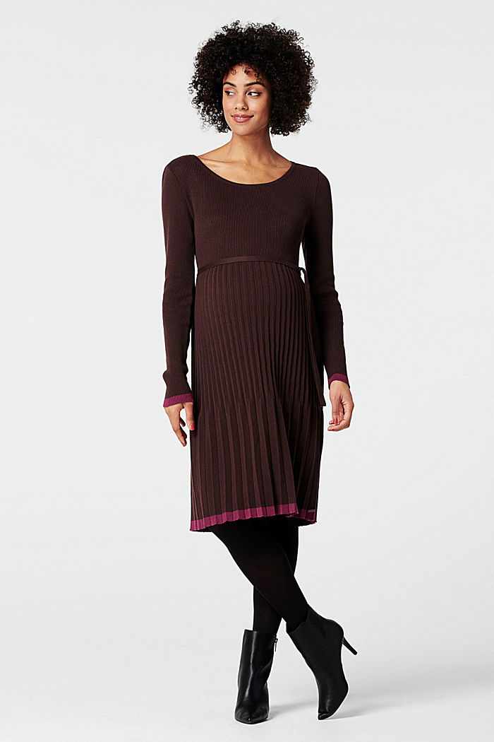 Knitted dress with a pleated skirt