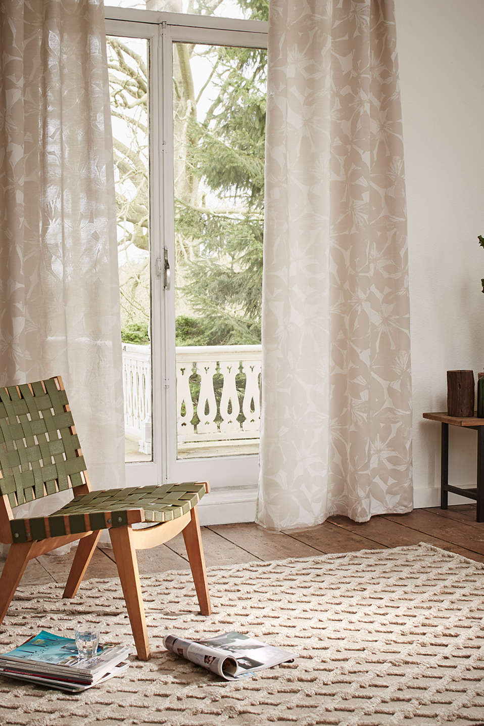 Esprit - eyelet curtain in elegant jacquard fabric