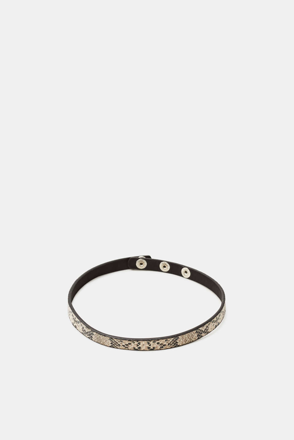Trend: Chokers! This choker impresses with its cool python look.