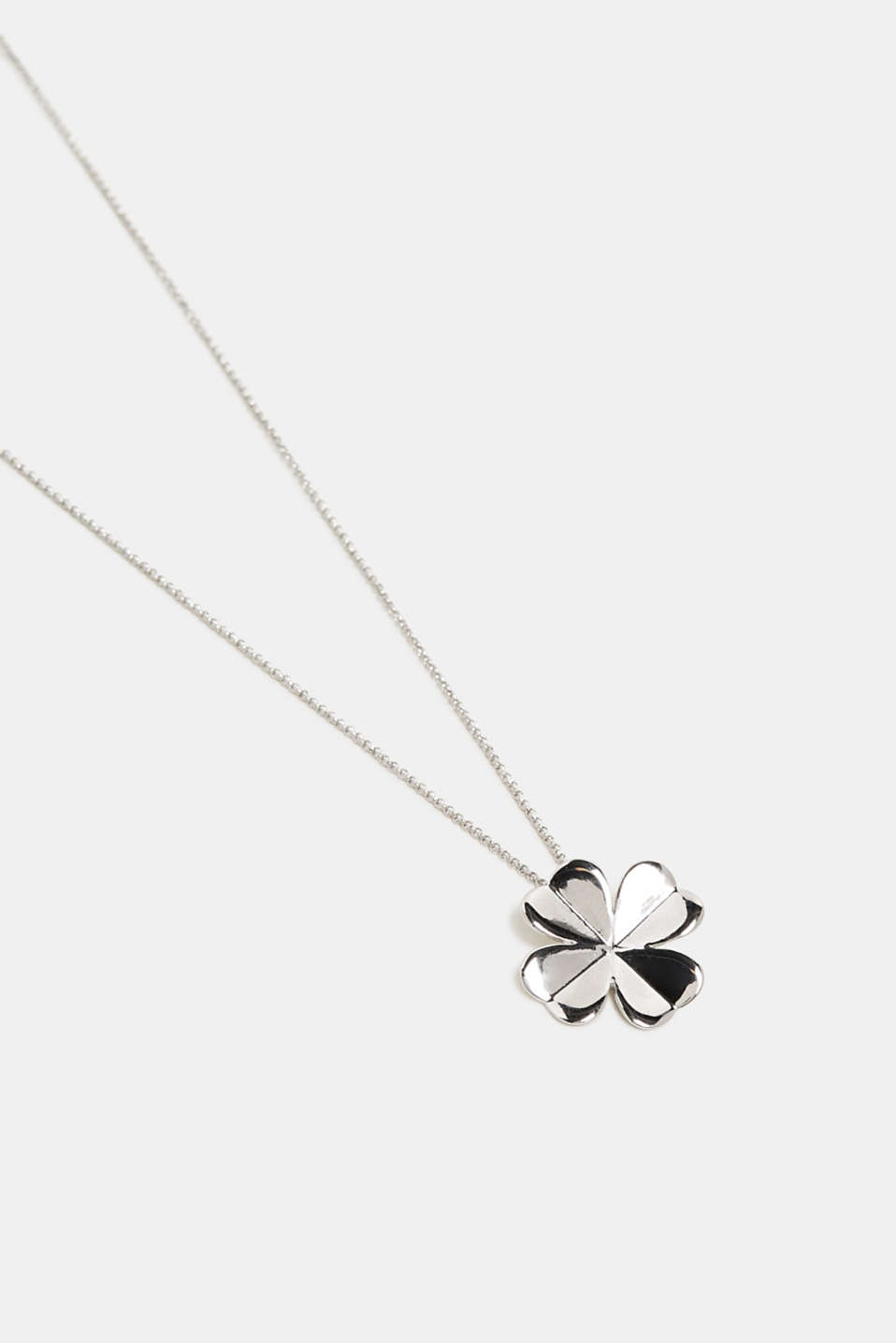 Necklace with a metal clover pendant, SILVER, detail image number 0