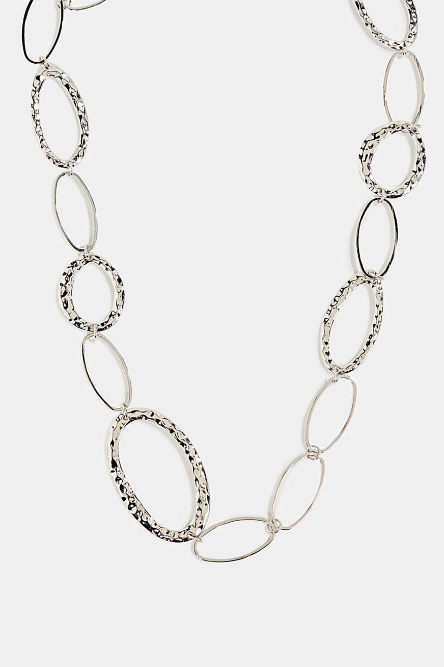 Silver metal necklace with oval links