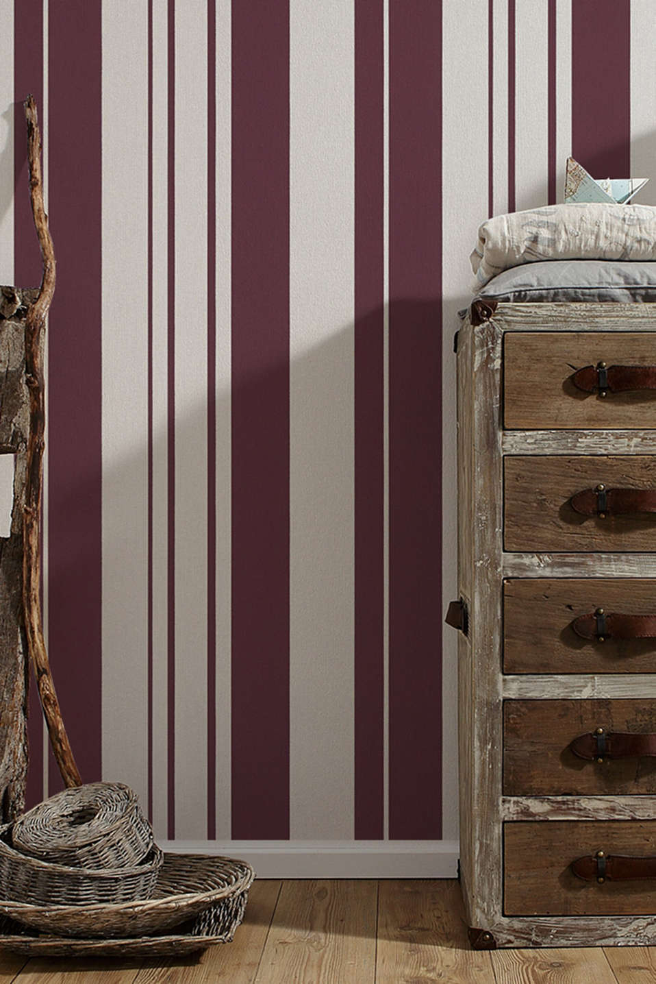Non-woven striped wallpaper, BURGUNDY, detail image number 2