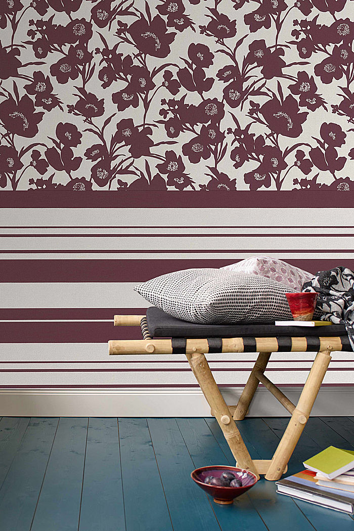 Non-woven striped wallpaper, BURGUNDY, detail image number 3