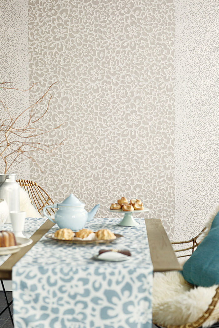 Non-woven wallpaper with animal pattern, TAUPE, detail image number 3