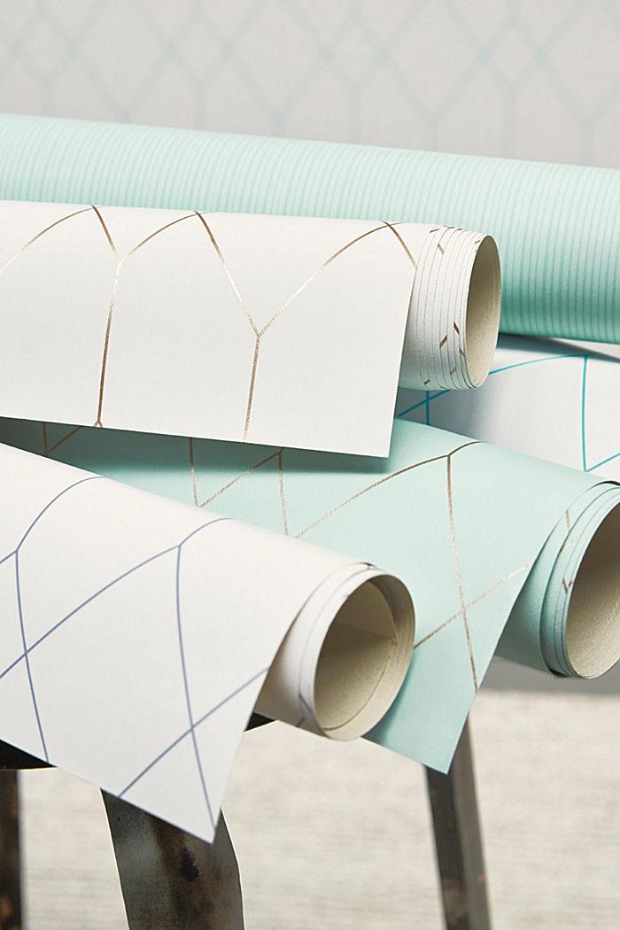 Papiertapete mit feinen Längsstreifen