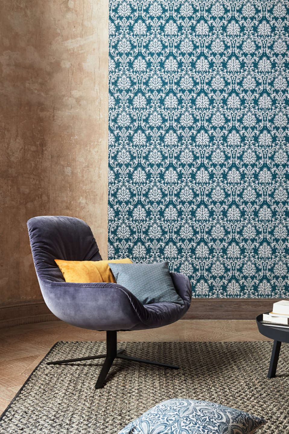 Patterned non-woven textile wallpaper, one colour, detail image number 3