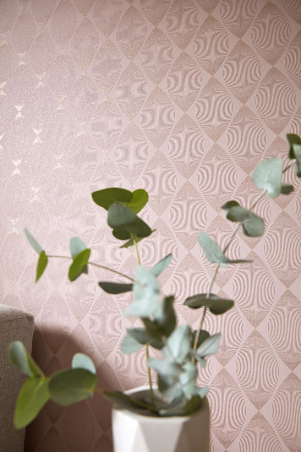 Patterned wallpaper with glimmer, vlies, one colour, detail image number 2