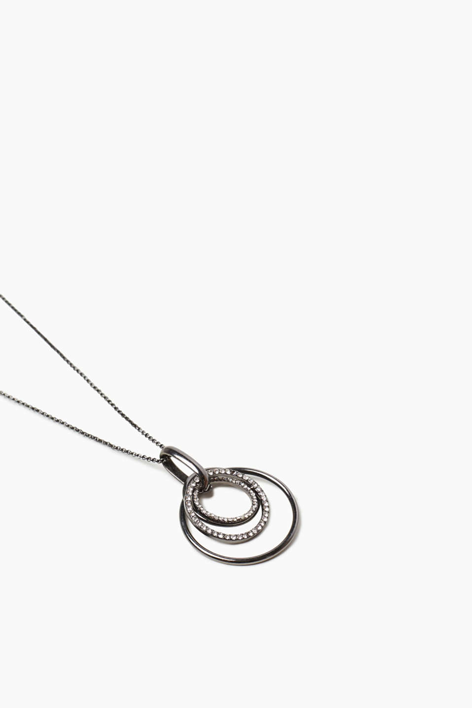 Long necklace with ring pendants