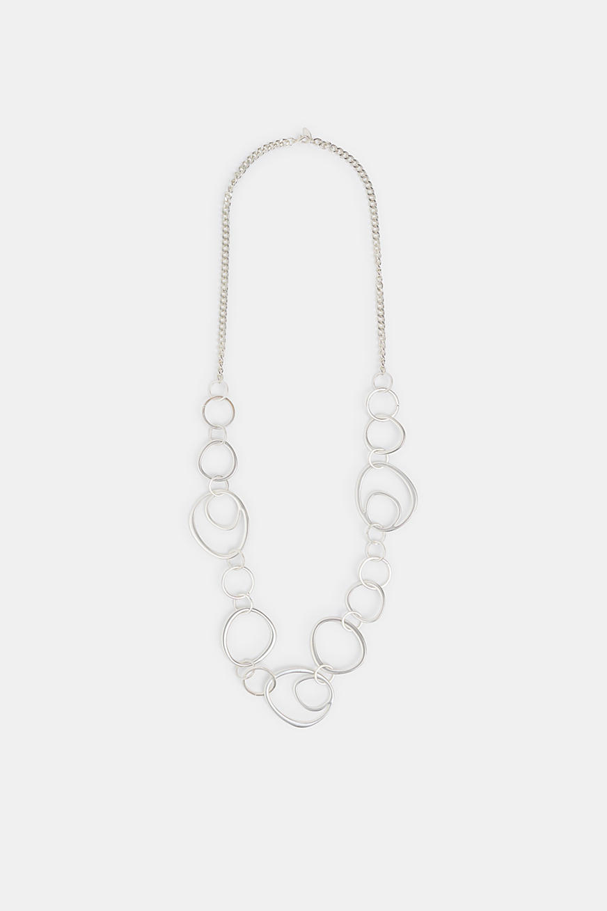 Long necklace with metal rings