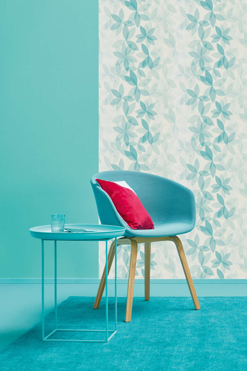 Patterned non-woven wallpaper, one colour, detail image number 2