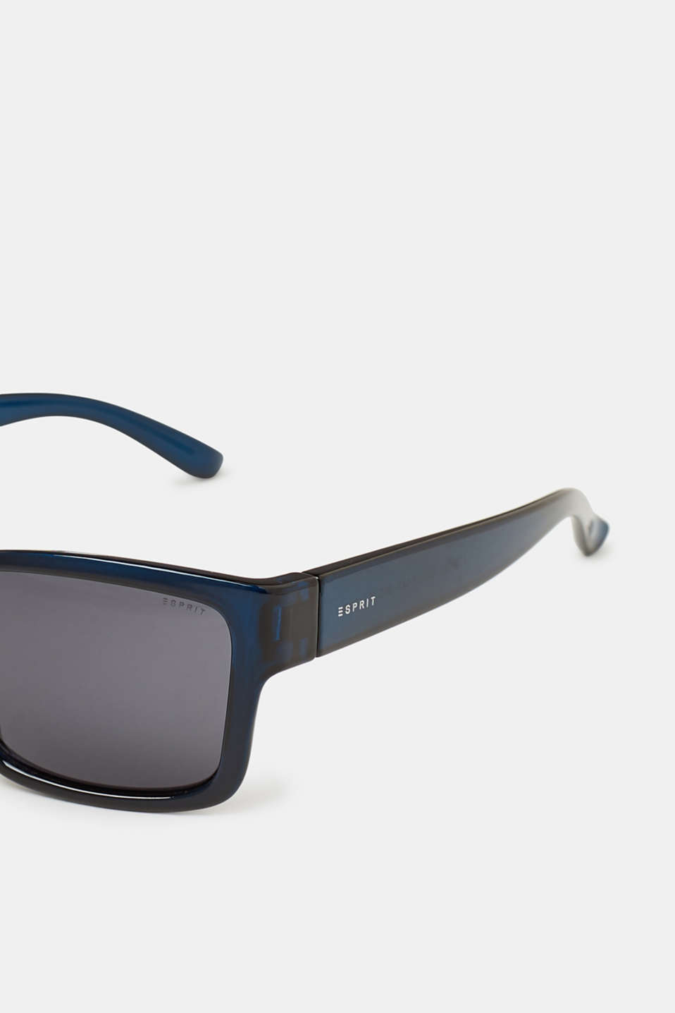 Timeless sunglasses for men