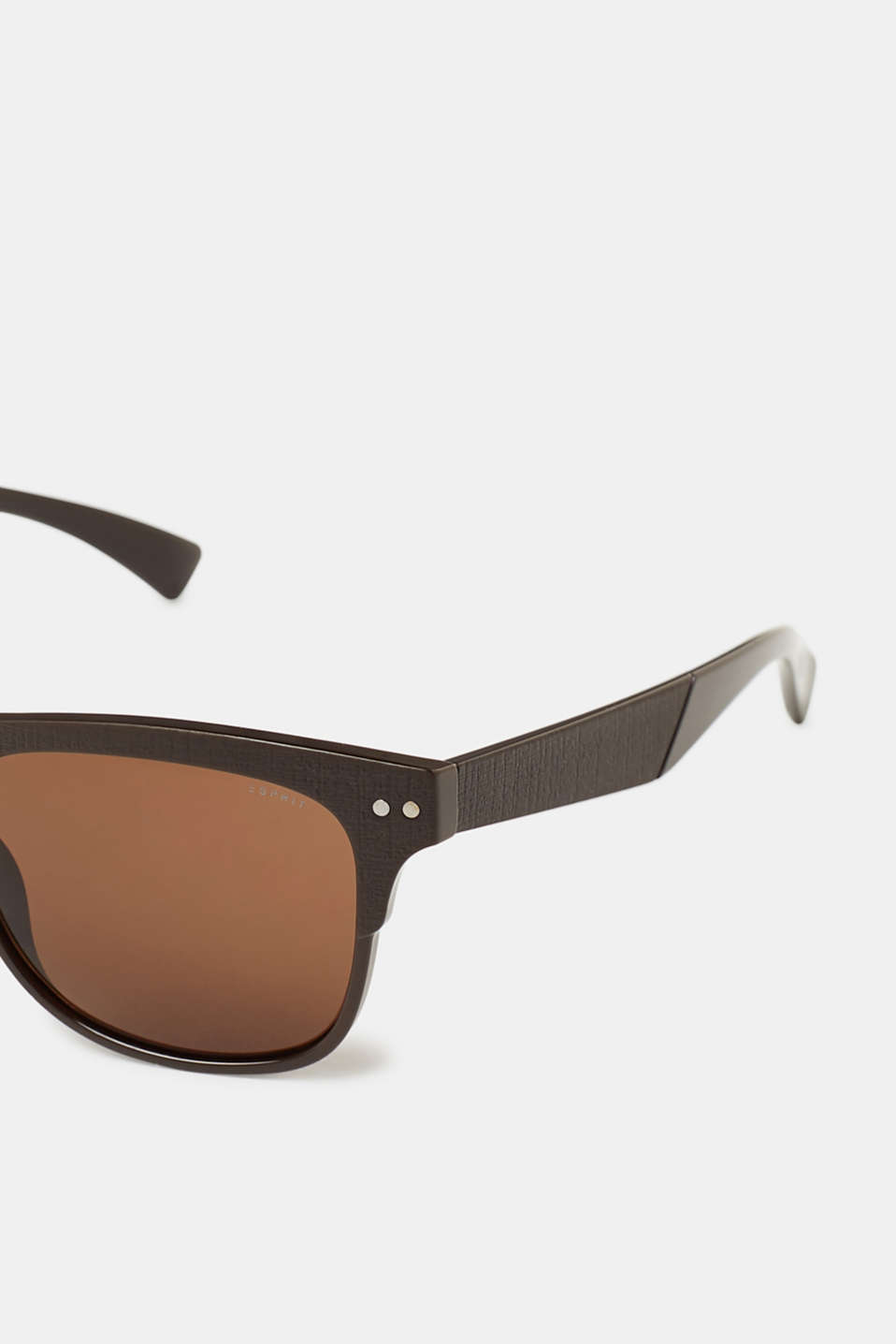 Sunglasses with textured frames