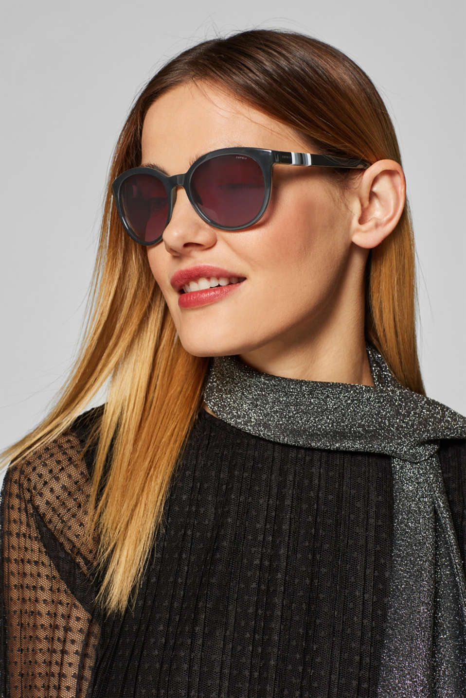Sunglasses with a striped detail, BLACK, detail image number 2