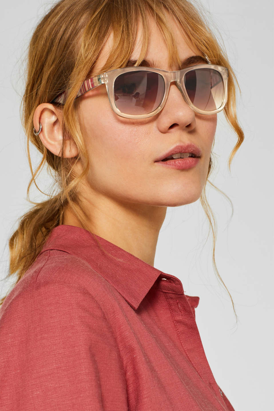 Sunglasses with vibrant, striped temples, BEIGE, detail image number 2