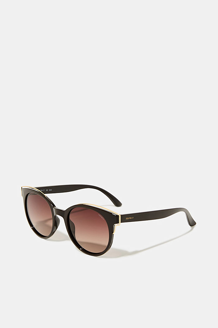 Sunglasses with polarised lenses