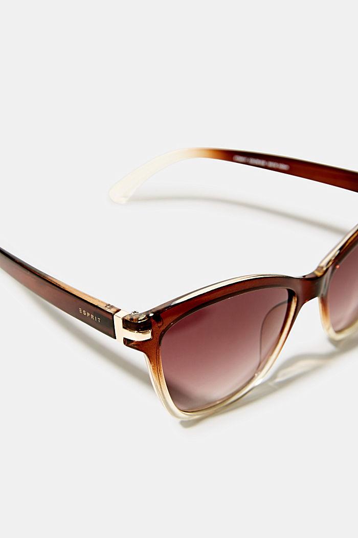 Okulary przeciwsłoneczne z metalowymi detalami