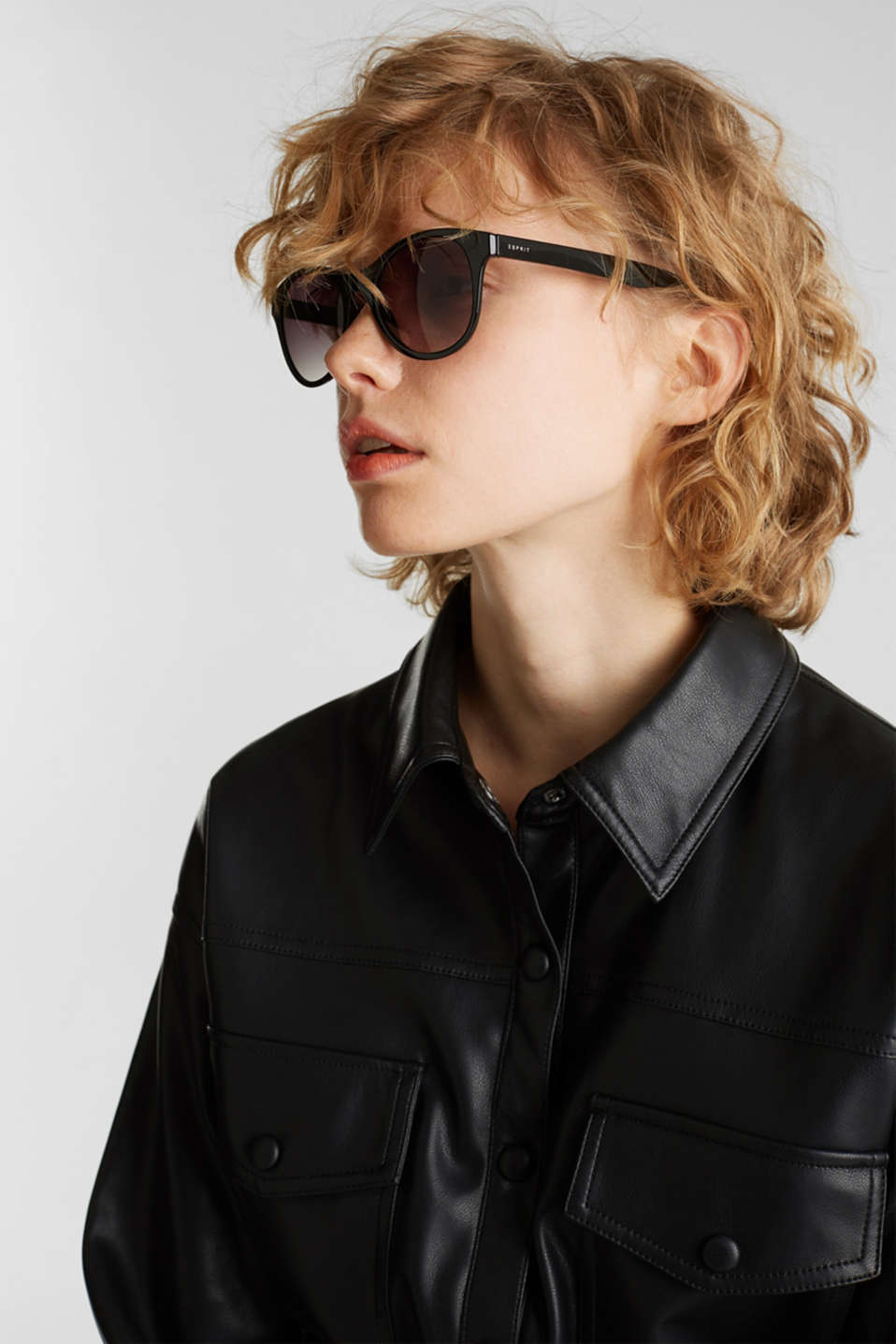 Sunglasses with a timeless design, LCBLACK, detail image number 2