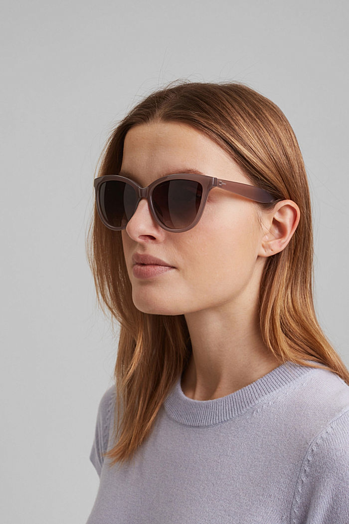 Harmonious sunglasses in a cat-eye design