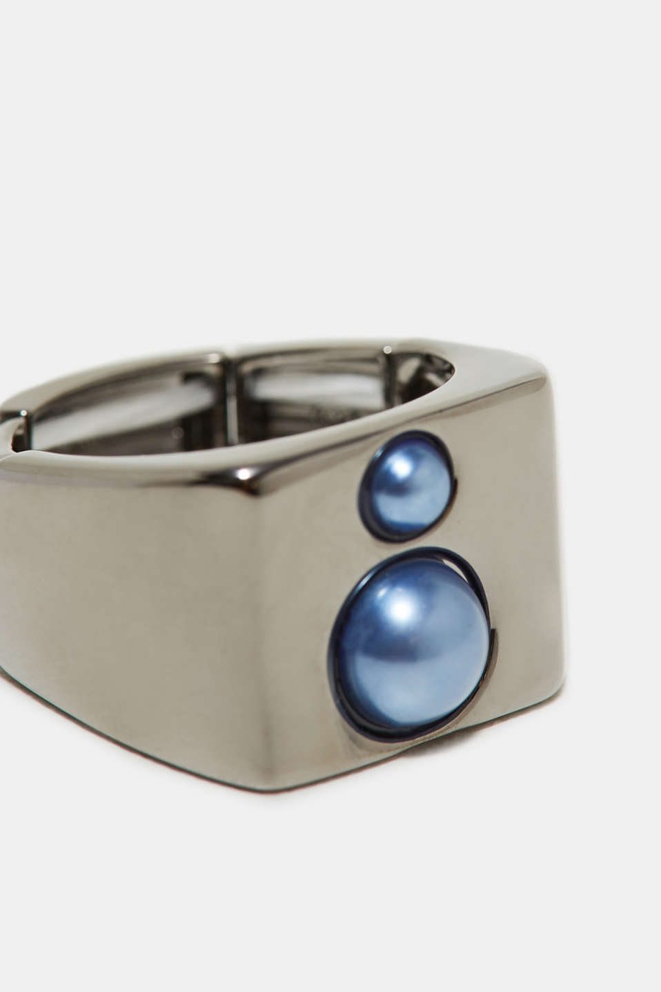 Statement ring with pearls, made of metal, one colour, detail image number 1