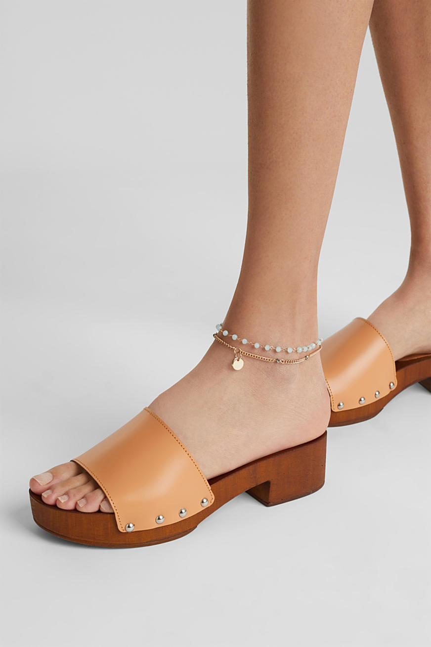 Double-layered anklets