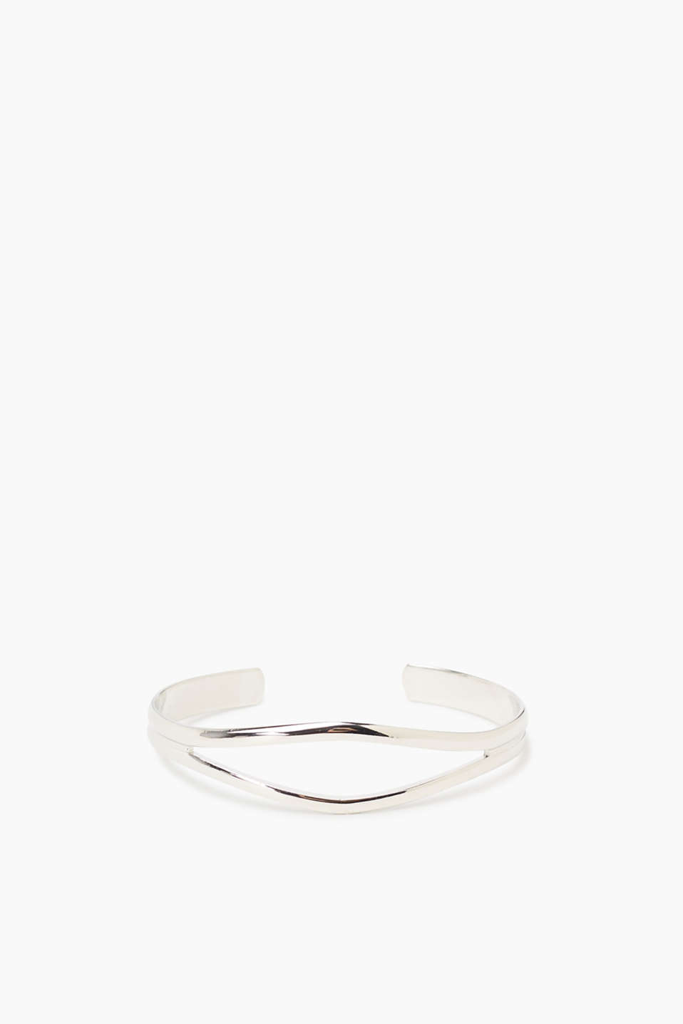 Metal bangle in a clean design