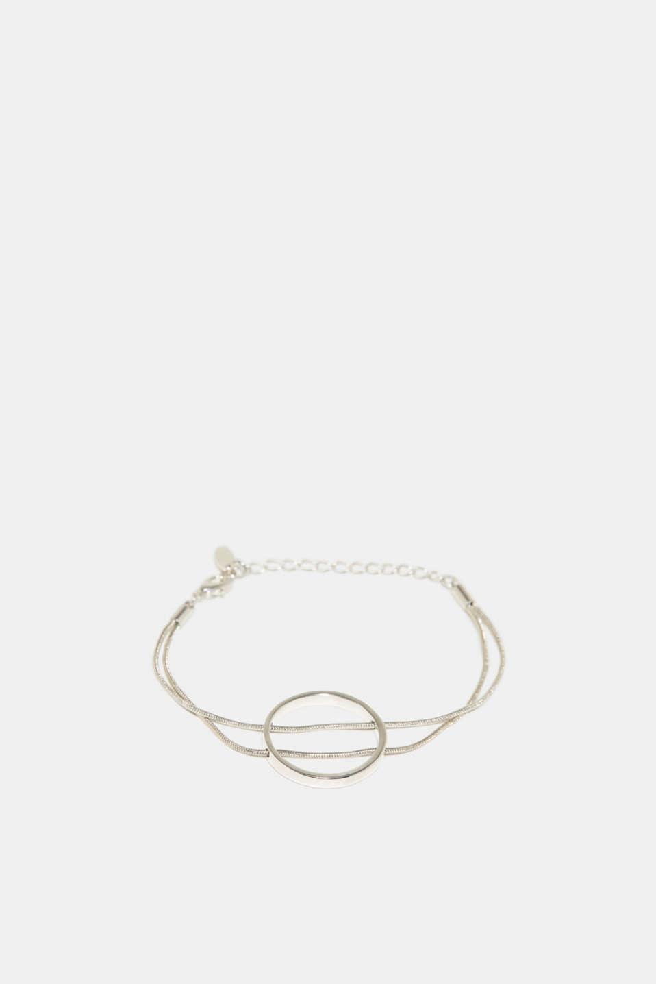 This two-strand bracelet in shiny metal is a real head-turner thanks to the circular pendant.