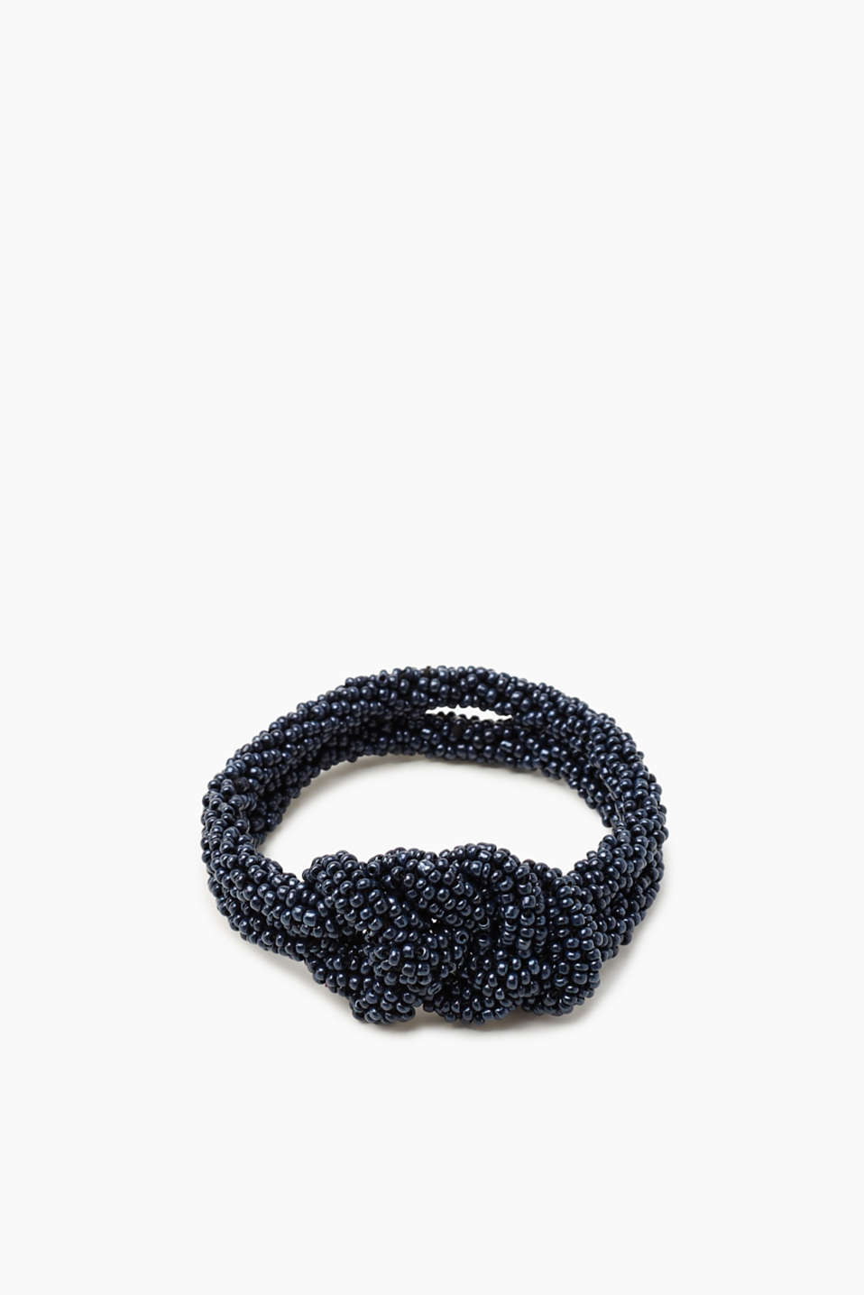 This slightly elastic double bracelet is made up of numerous beads and sophisticated knot details!