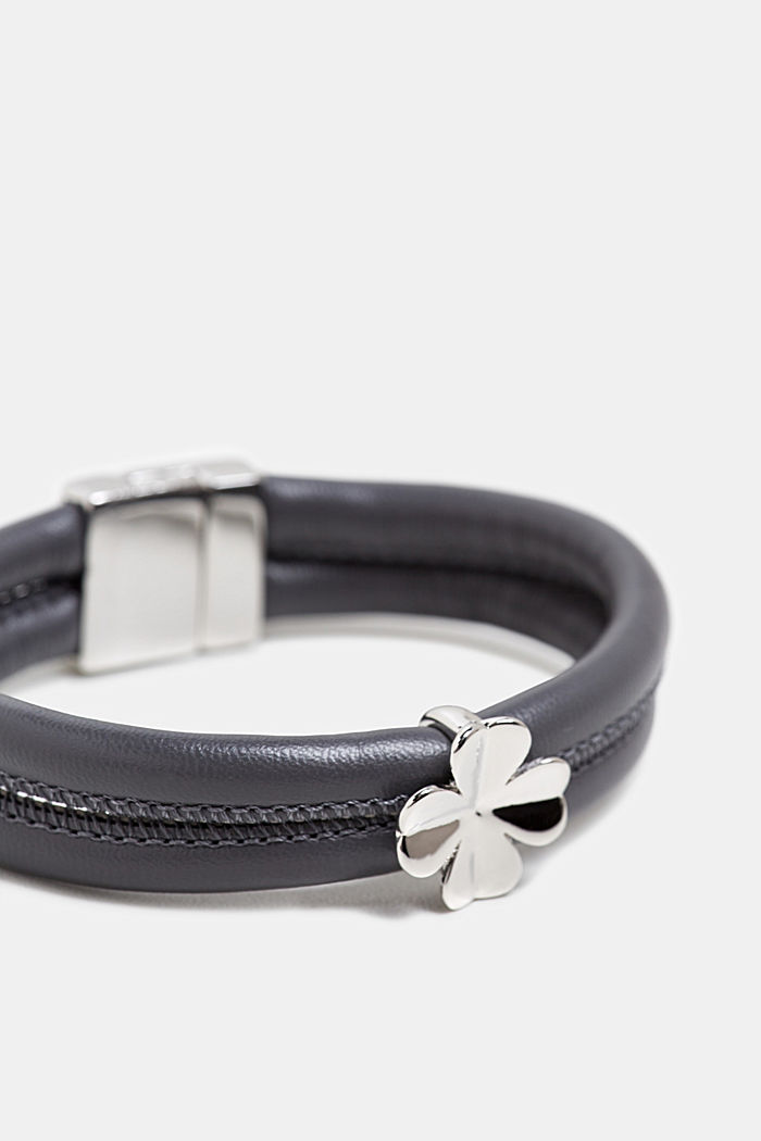 Faux leather bracelet with a pendant, SILVER, detail image number 1