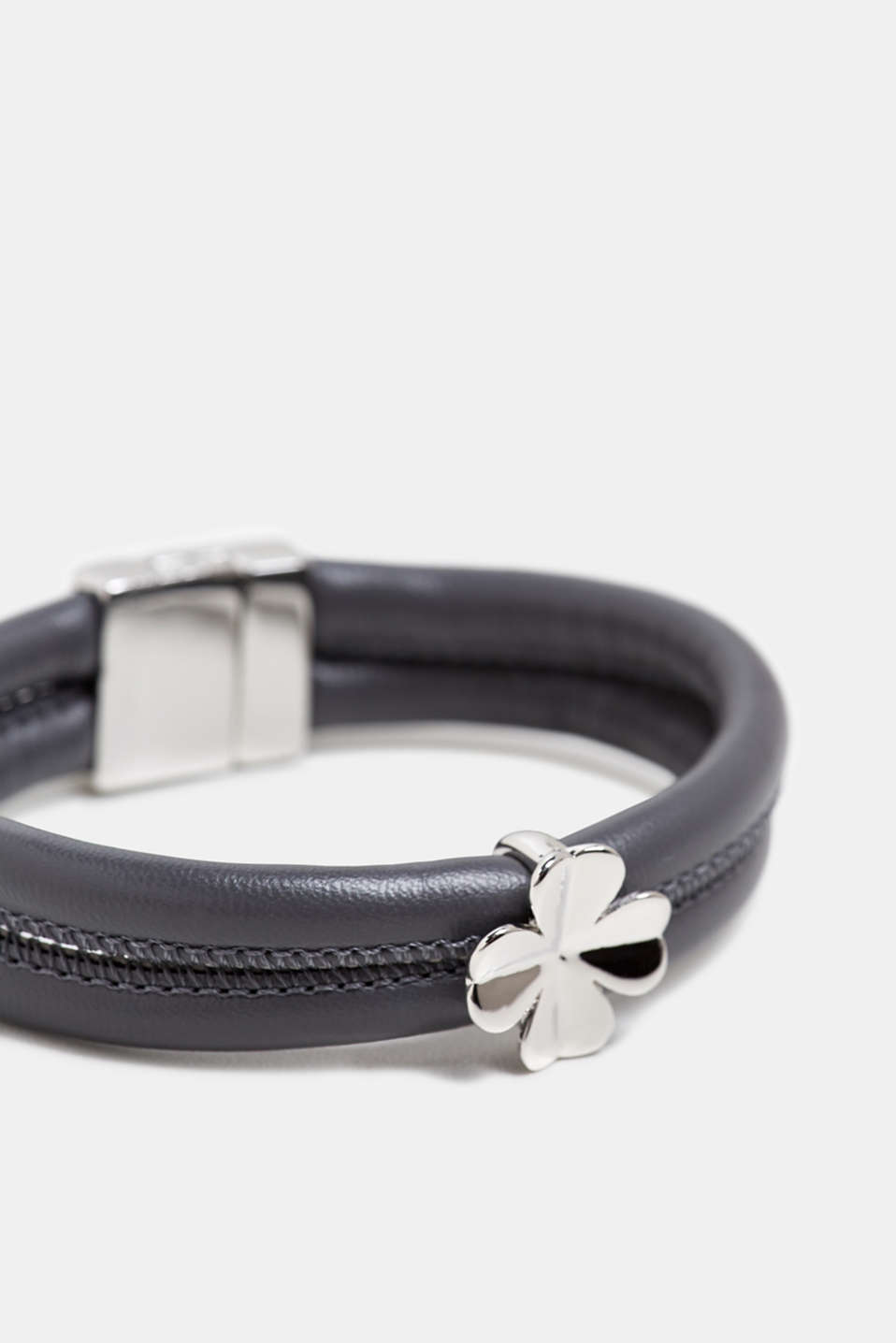 Faux leather bracelet with a pendant, GREY, detail image number 1