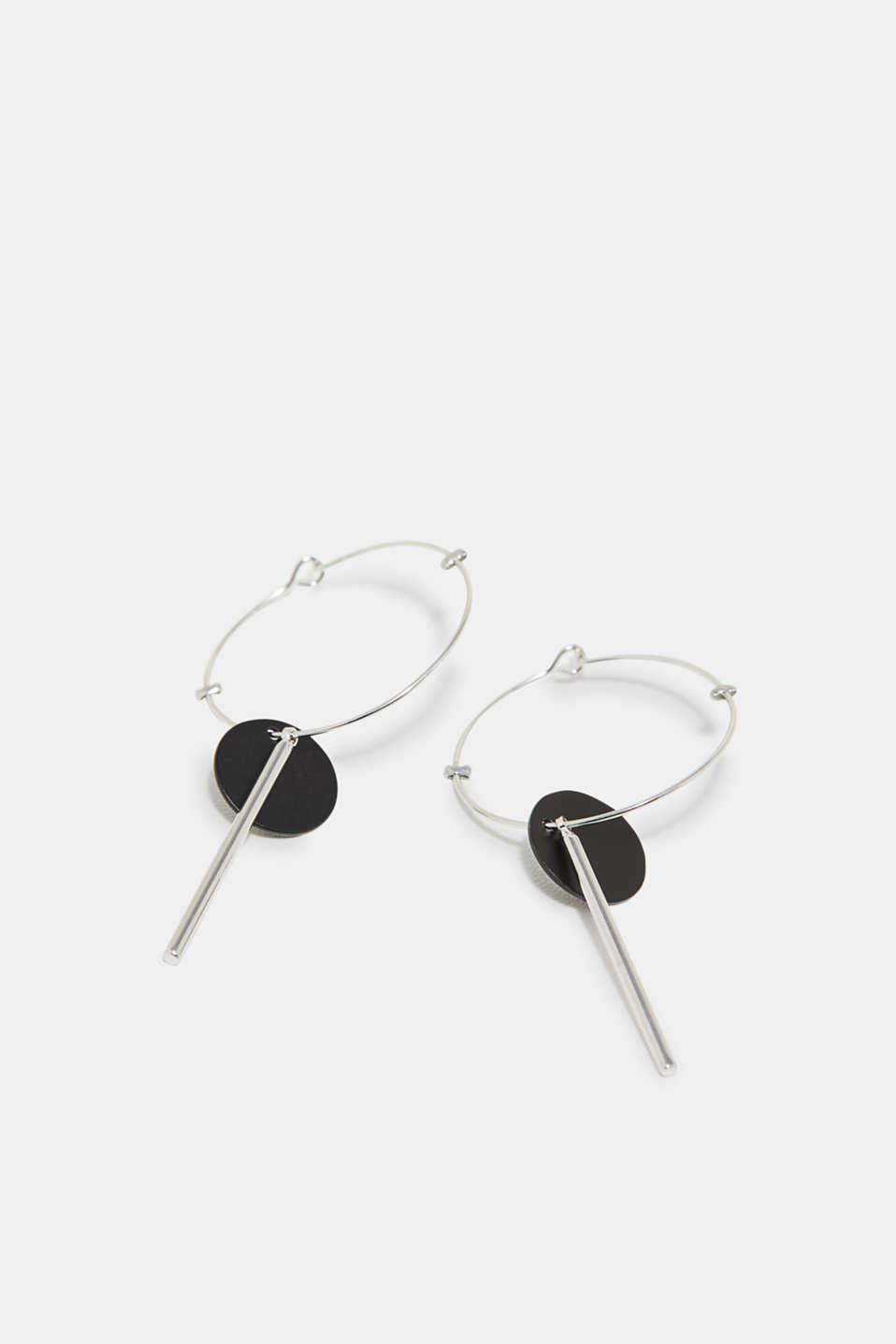 Fine hoop earrings and the geometric pendant shapes make these earrings really eye-catching.