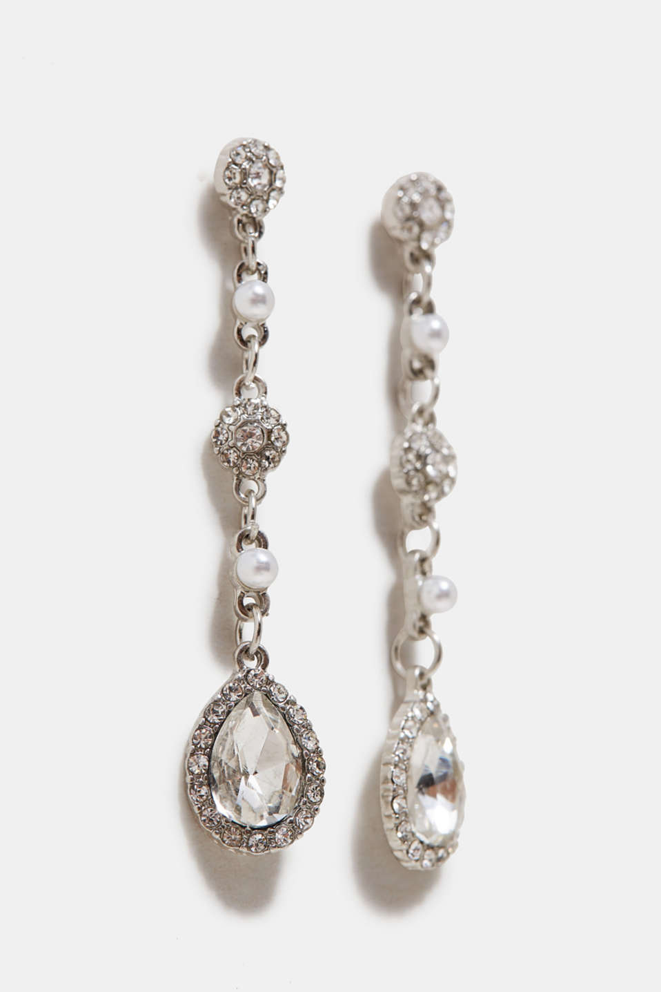 Earrings with sparkling facet-cut stones