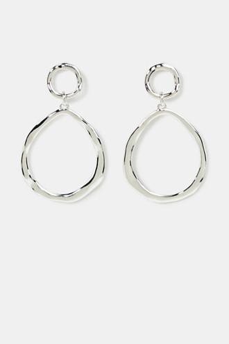 Oval hoop earrings made of metal