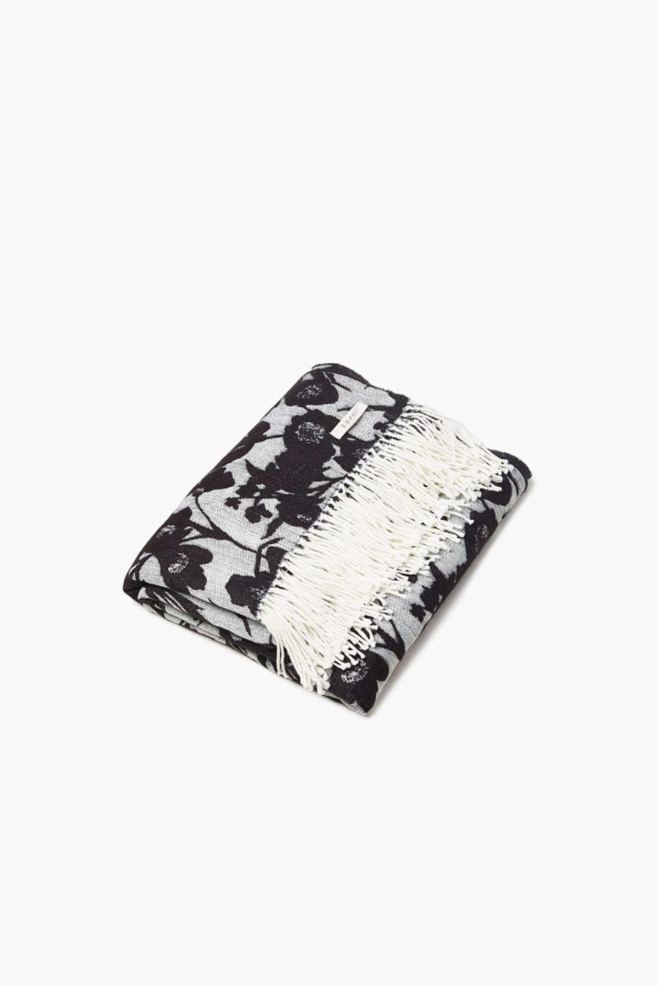 Reversible blanket with a floral pattern, BLACK, detail image number 0