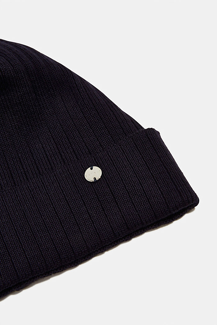 Ribbed knit beanie in 100% cotton