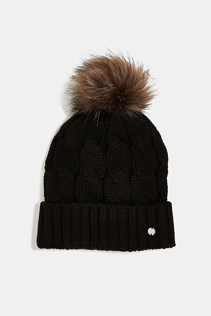Hat with fake fur pompom