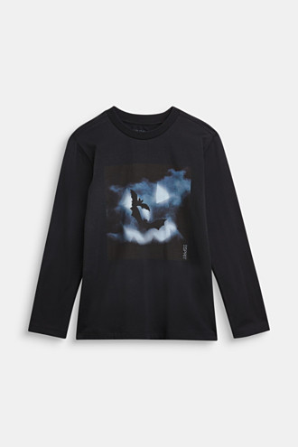 Long sleeve top with a bat print