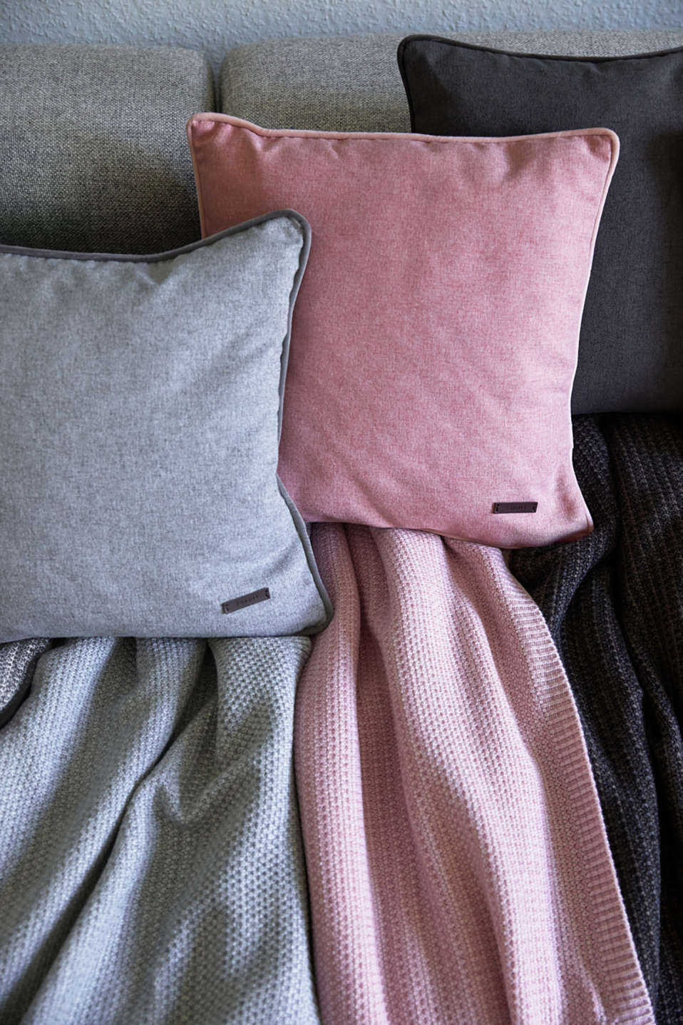 Cushion cover with velvet piping, LILAC, detail image number 2